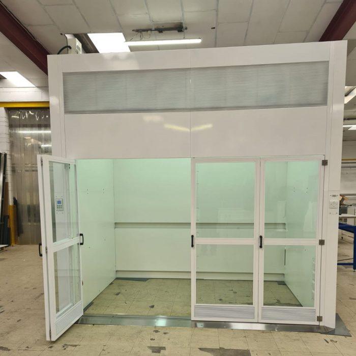 ventilated enclosure, fume cupboard, walk-in,